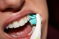 How to clean your teeth - Step-by-Step Guide