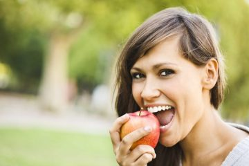 8 Foods and Drinks for White Teeth